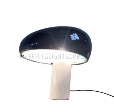 flos-snoopy-black-marble-table-lamp